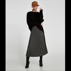 Zara Polka Dot Pleated Midi Skirt US Medium